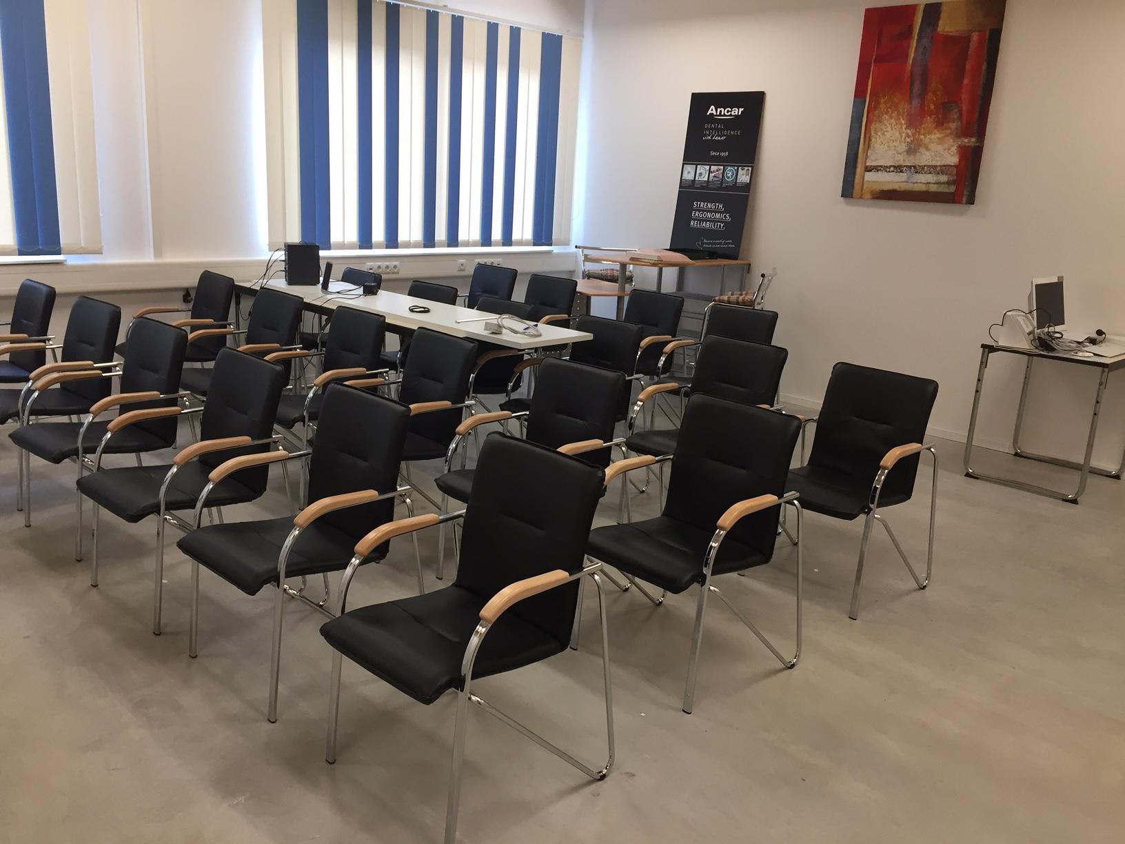 DentaMed Thyssentrasse Seminarraum